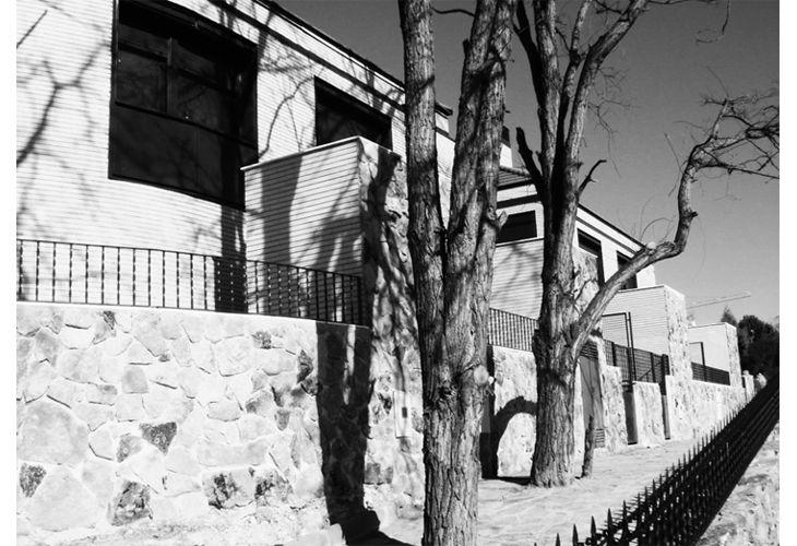 Alalpardo · 10 Family Homes